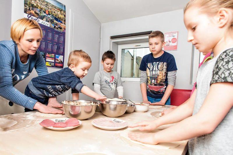Zajęcia dla dzieci w pizzerri Fiero! Fot. Ewa Szmitka